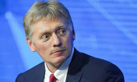 Песков: решений об ужесточении в России мер для непривитых от COVID-19 пока нет