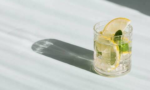 Ποια ώρα της ημέρας πρέπει να πίνεις αλκοόλ;