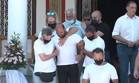 Τροχαίο στη Νίκαια: Αβάσταχτος πόνος στο τελευταίο «αντίο» στην 7χρονη Παναγιώτα (vid)