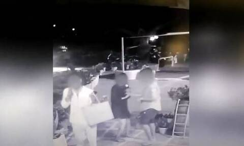 Μύκονος: Βίντεο - ντοκουμέντο η στιγμή που κακοποιός κλέβει το ρολόι από αμέριμνη τουρίστρια
