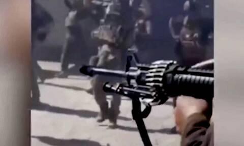 Ταλιμπάν εκτέλεσαν 22 Αφγανούς στρατιώτες ενώ παραδίνονταν – ΠΟΛΥ ΣΚΛΗΡΟ ΒΙΝΤΕΟ