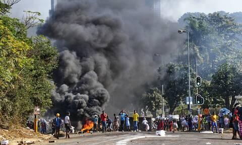 Νότιος Αφρική: Χάος,λεηλασίες και νεκροί μετά τη φυλάκιση του πρώην προέδρου Ζούμα - (Βίντεο)