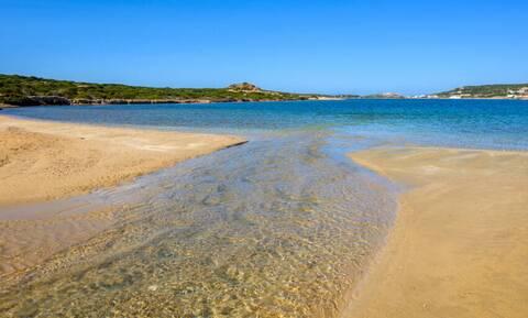 Παραλία: Νέα μόδα - Τι κάνουν όσοι θέλουν να την αποφύγουν φέτος;