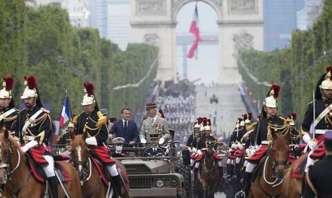 Γαλλία: Εορτασμοί για την Ημέρα της Βαστίλης στη σκιά της πανδημίας –Στιγμές από την εθνική γιορτή
