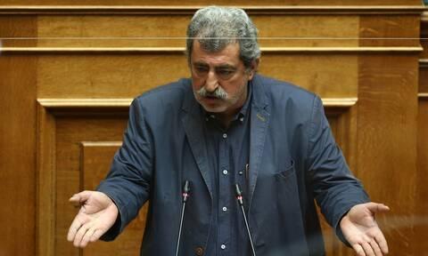 Παύλος Πολάκης: Με τραγούδι του Ζαμπέτα απάντησε στην Ολομέλεια της Βουλής