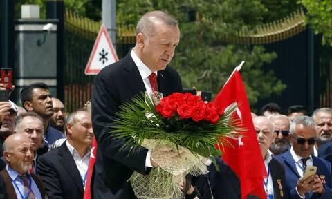 Ερντογάν: Πέντε χρόνια μετά το αποτυχημένο πραξικόπημα στην Τουρκία δεν είναι το ίδιο πανίσχυρος