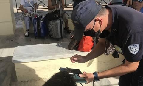 Λιμάνι Σύρου: Αυστηροί έλεγχοι από το λιμενικό στους επιβάτες των πλοίων