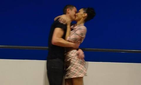 Bella Hadid: Tα τρυφερά τετ α τετ στις Κάννες και τα καυτά φιλιά με τον σύντροφό της