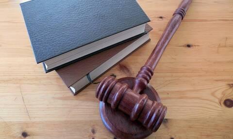 Απόφοιτοι νομικών σχολών: Ξεκίνησαν οι αιτήσεις για την πρακτική άσκηση για απόκτηση άδειας