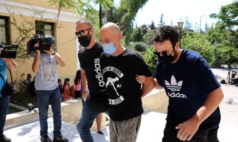 Αποκάλυψη Newsbomb.gr: Σοβαρό επεισόδιο με άλλο αστυνομικό είχε ο κατηγορούμενος της Ηλιούπολης