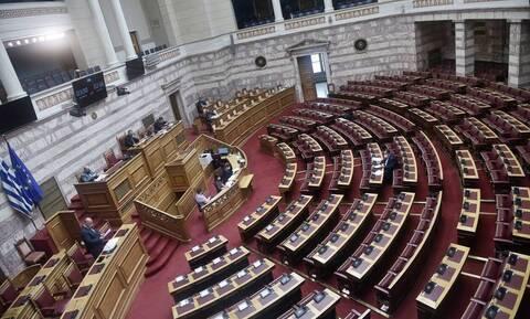 Βουλή: Κατατέθηκε το νομοσχέδιο του υπουργείου Παιδείας για την αξιολόγηση των εκπαιδευτικών