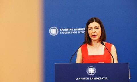 Gov't spokesperson responds to Tsipras on Mykonos measures