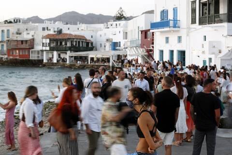 Μύκονος: Τα διεθνή Μέσα για το νέο lockdown στο νησί των Ανέμων