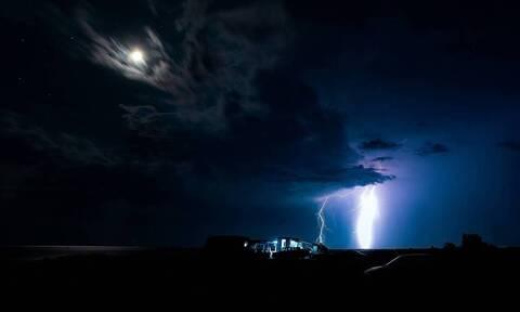 Κακοκαιρία: Η «ψυχρή λίμνη» έφερε 5.000 κεραυνούς και βροχές - Πού θα «χτυπήσει» τη Δευτέρα