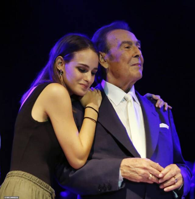 O Τόλης Βοσκόπουλος με την κόρη του Μαρία