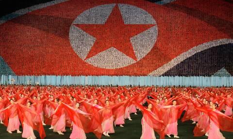 Κιμ Γιονγκ Ουν: Μη χρησιμοποιείτε «αργκό», ξεχάστε τον πολιτισμό της Νότιας Κορέας