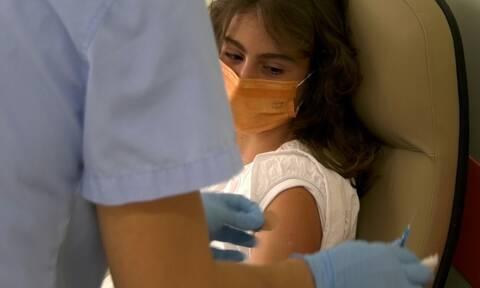"""Λάρισα: """"Χαριστική βολή στην πανδημία"""" το μήνυμα της πρώτης 15χρονης που εμβολιάστηκε στο Νομό"""