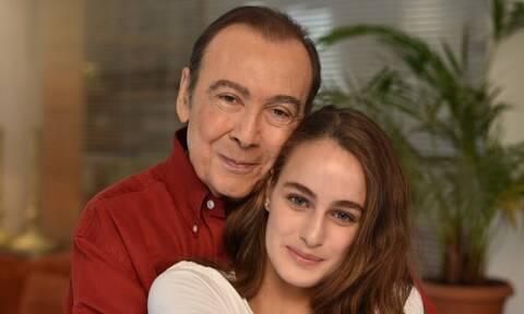Τόλης Βοσκόπουλος: Το συγκινητικό δώρο που θα κάνει στην κόρη του μετά θάνατον