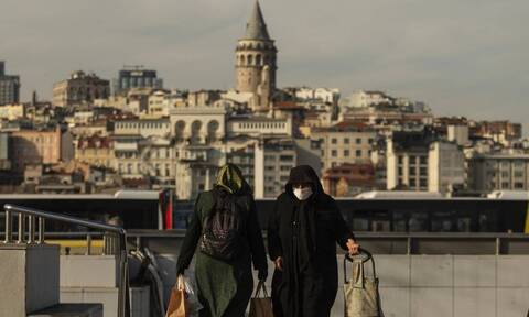«Καλπάζει» ο κορονοϊός στην Τουρκία: Τα κρούσματα αυξήθηκαν κατά 30% σε μια εβδομάδα