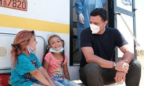 Κικίλιας: Με σεβασμό και αγάπη παροτρύνουμε και τους Ρομά συμπολίτες μας να εμβολιαστούν