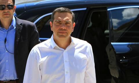 Στη Μύκονο ο Αλέξης Τσίπρας- Τα εγκληματικά λάθη της κυβέρνησης και τα προβλήματα των επιχειρηματιών