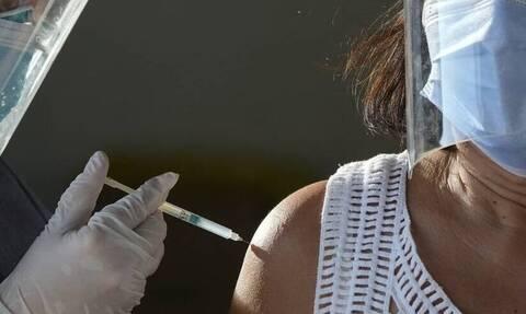 Εμβόλιο κορονοϊού: «Τι θα μου συμβεί μετά από 4 χρόνια;» - Ο Βασιλακόπουλος εξηγεί
