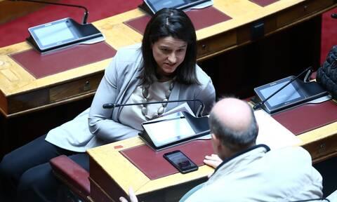 Βουλή: Έντονη αντιπαράθεση Κεραμέως - Φίλη στο νομοσχέδιο για το νέο σχολείο