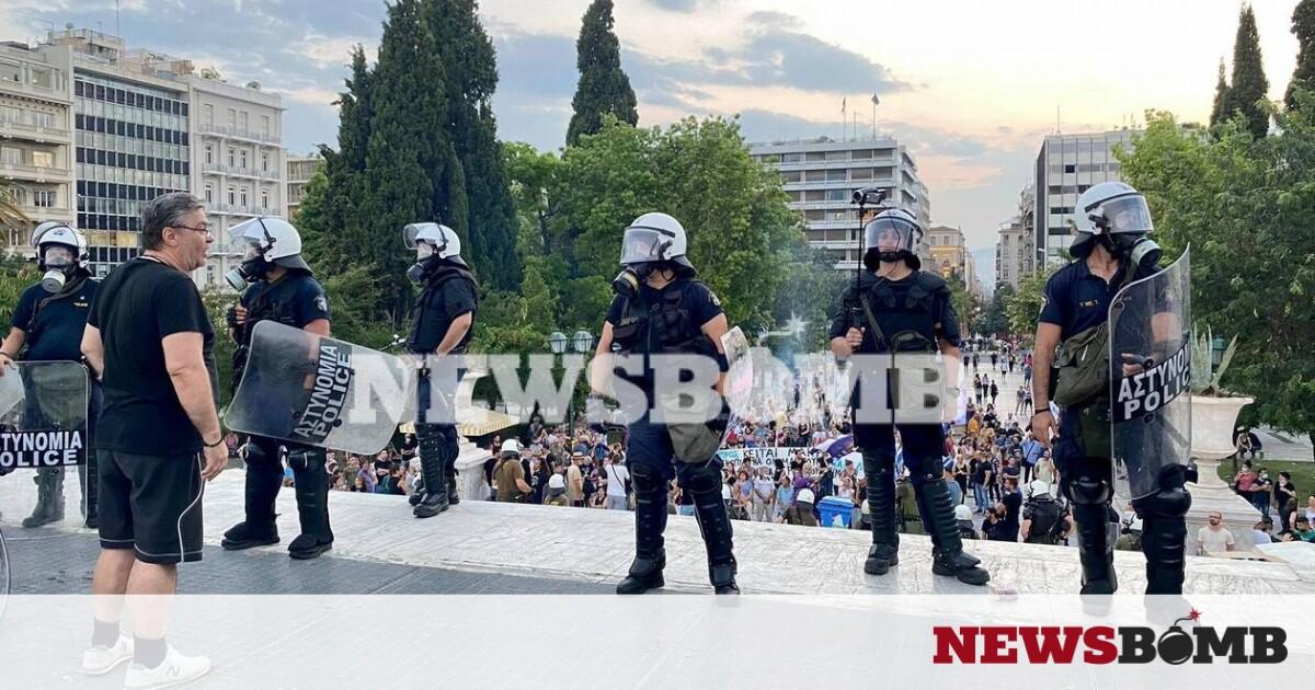Ρεπορτάζ Newsbomb.gr: «Πνίγηκε» στα χημικά το Σύνταγμα – Επεισόδια, συγκρούσεις και τραυματισμοί – Newsbomb – Ειδησεις
