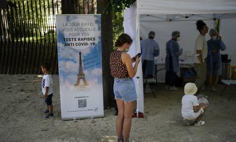 Γαλλία - Κορονοϊός: Διαδήλωση στο Παρίσι κατά του υγειονομικού πάσου
