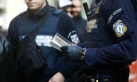 Δικηγόροι και αστυνομικοί σε κύκλωμα για άδειες διαμονής με εικονικά σύμφωνα συμβίωσης