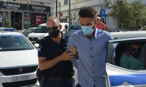 Φολέγανδρος: Ραγδαίες εξελίξεις - Στο κέντρο Υγείας Νάξου ο 30χρονος δολοφόνος