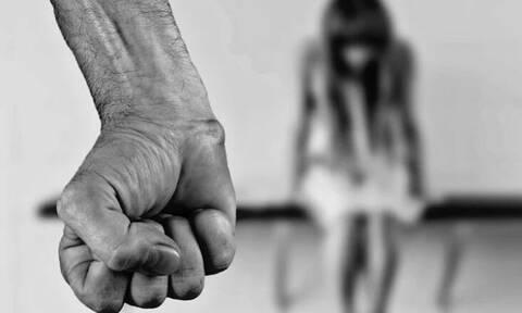 Βόλος: Άγριος ξυλοδαρμός - Έστειλε στο νοσοκομείο την εν διαστάσει σύζυγό του