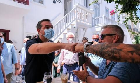 Απρόσμενη συνάντηση για Τσίπρα: «Εσύ δεν άλλαξες καθόλου ρε π…» (video)