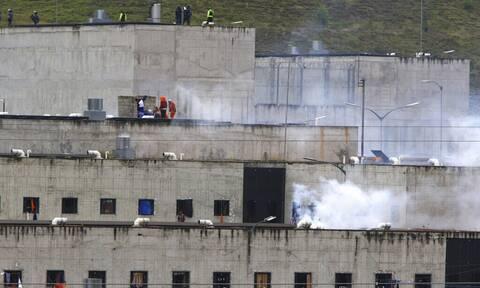 Ισημερινός: Τουλάχιστον 21 νεκροί στις ταραχές σε δύο φυλακές