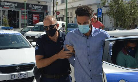 Φολέγανδρος: Στον Κορυδαλλό ο 30χρονος - «Ψάχνω να συνθέσω το παζλ» λέει ο δολοφόνος της Γαρυφαλλιάς
