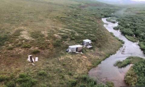 Aλάσκα: Άνδρας σώθηκε κατά τύχη μετά από εβδομαδιαία «καταδίωξη» αρκούδας