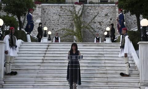 Προσκλήσεις - έκπληξη από την Κ. Σακελλαροπούλου στο Προεδρικό για την γιορτή της Δημοκρατίας