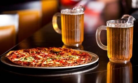Γιατί μπίρα και πίτσα είναι ο καλύτερος γευστικός συνδυασμός