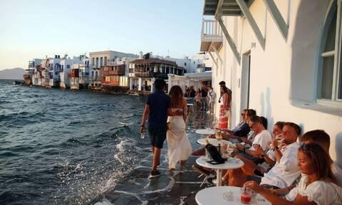 Παπαευαγγέλου στο Newsbomb.gr: «Θα υπάρξουν νέα lockdown σε νησιά αν παρατηρηθούν φαινόμενα Μυκόνου»