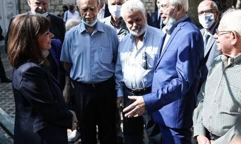 Αποκατάσταση Δημοκρατίας - Κατερίνα Σακελλαροπούλου: Κατάθεση στεφάνου στην προτομή του Μουστακλή