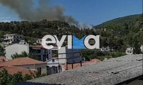 Φωτιά Εύβοια – Δήμαρχος Λίμνης στο Newsbomb.gr: Κινδυνεύουν σπίτια –Οι κάτοικοι είναι με τα λάστιχα