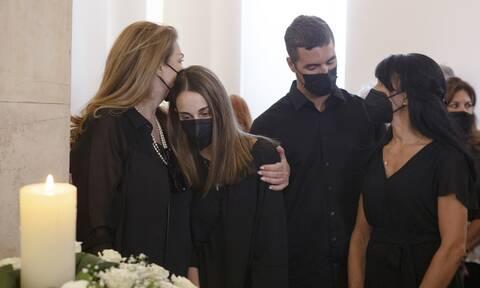 Τόλης Βοσκόπουλος: Η απάντηση της Άντζελας Γκερέκου για τα έξοδα της κηδείας του