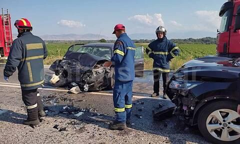 Καραμπόλα τεσσάρων οχημάτων στην Εθνική Οδό Λάρισας - Τρικάλων: Έξι τραυματίες (ΦΩΤΟ)