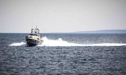 Κρήτη: Συγκλονίζουν οι λεπτομέρειες της διάσωσης του ζευγαριού – Κολύμπησε 5 ώρες στην τρικυμία