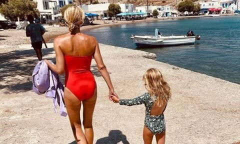 Βίκυ Καγιά: Δείτε πού πήγε την κόρη και τον γιο της για να παίξουν