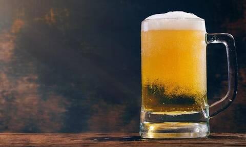 Διατροφή: Πόσο σε παχαίνει τελικά μία μπίρα;