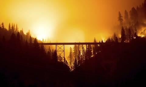 ΗΠΑ: Ανεξέλεγκτη η γιγαντιαία πυρκαγιά Ντίξι- Επηρεάζει τις καιρικές συνθήκες