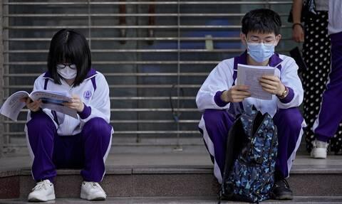«Σεισμός» δισεκατομμυρίων λόγω νέων κανόνων για την παιδεία στην Κίνα