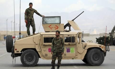 Αφγανιστάν: Νέο περιστατικό φυγής στρατιωτών σε άλλη χώρα λόγω της επέλασης των Ταλιμπάν