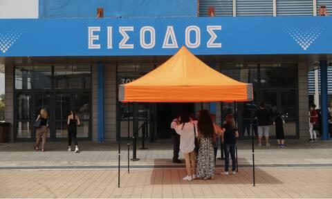 Παπαευαγγέλου στο Newsbomb.gr: Γιατί θα εμβολιάζονται οι 12-15 – Πώς πήρε την απόφαση η Επιτροπή
